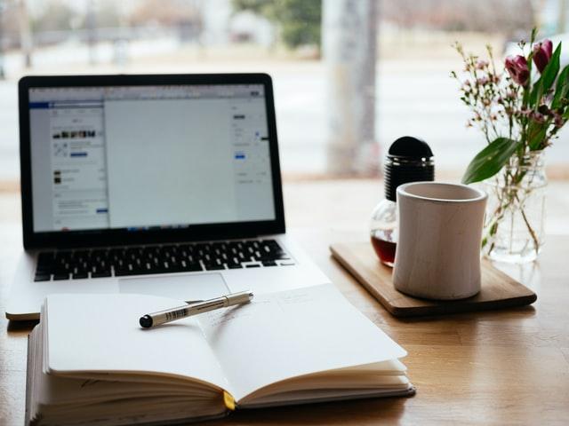 Przedstawiamy popularnych blogerów finansowych, co o nich wiemy?